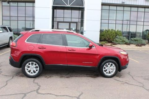 Pre-Owned 2017 JEEP CHEROKEE Latitude 4 WHEEL Sport Utility