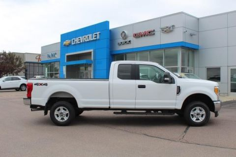 Pre-Owned 2017 FORD F-250 XLT 4 WHEEL Pickup - Full Size